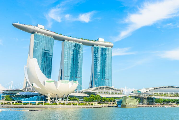 SINGAPORE-JUNE 24: The Marina Bay Sands Resort Hotel in Singapor