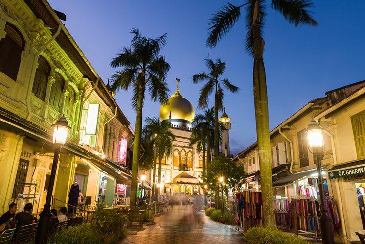 Beautiful Arab street light up