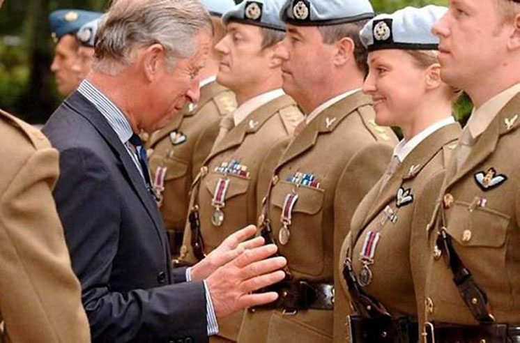 40-prince-charles-and-a-lady-officer