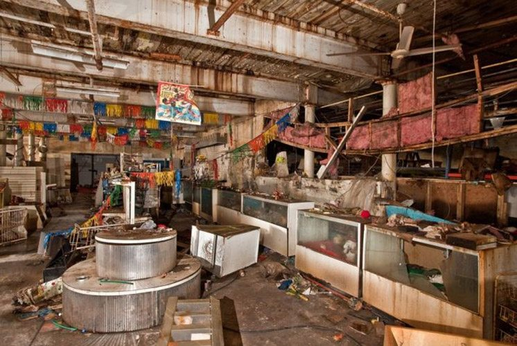 abandoned-toy-store-conn