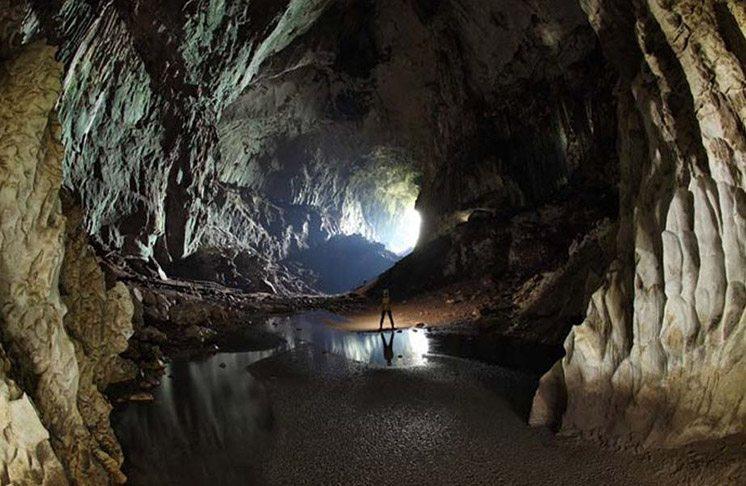 deer-cave-borneo-malaysia