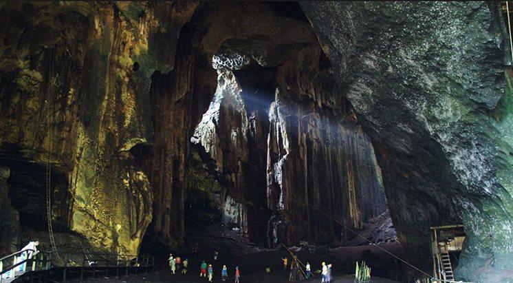 gomantong-caves-malaysia