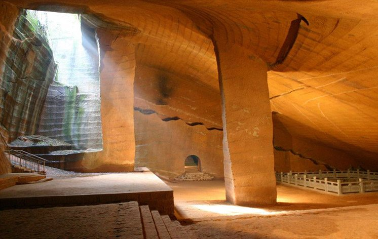 huashan-mysterious-grottoes-china